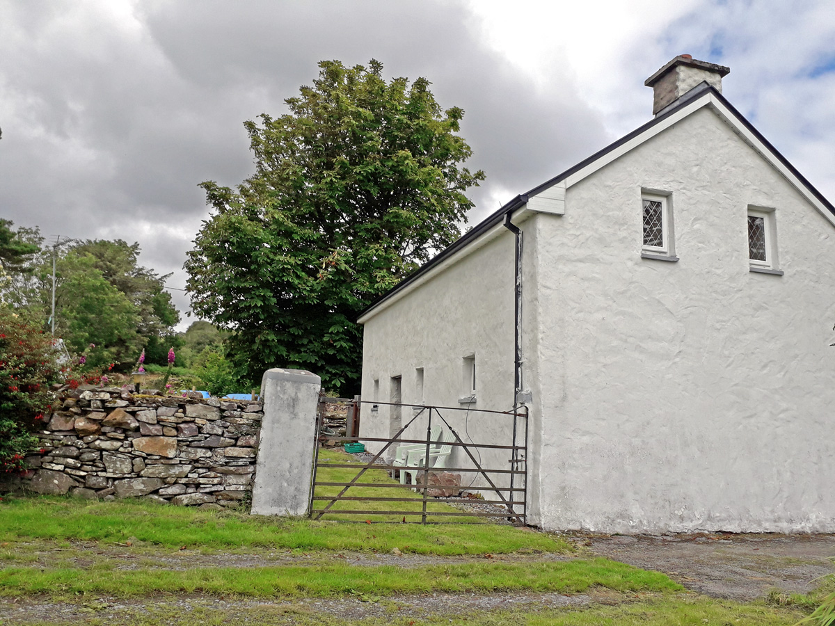 M005 Brookfield Cottage Tourmakeady