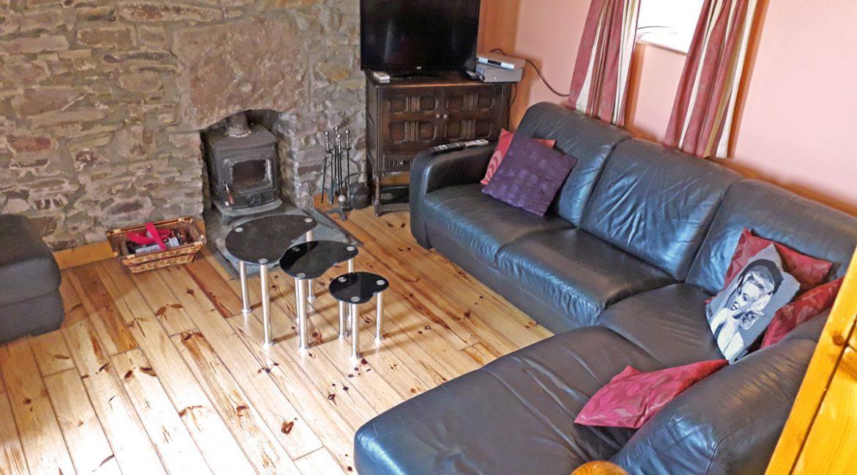 m005_sittingroom