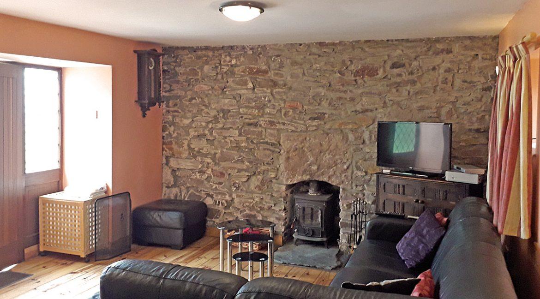 m005_sittingroom_2