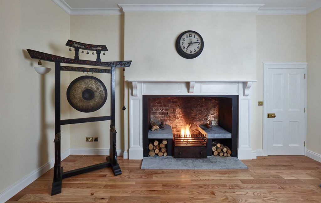 Kildanganhouse-the-gong-and-fireplace-1024x683