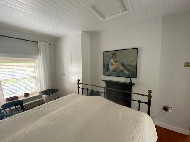 rossow_house_newportbedroom2