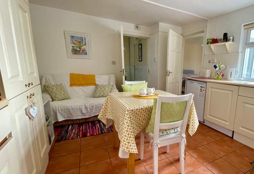 M021_kitchen1