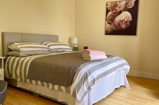 m021_bedroom3